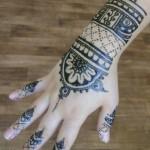 индийская роспись хной на руке
